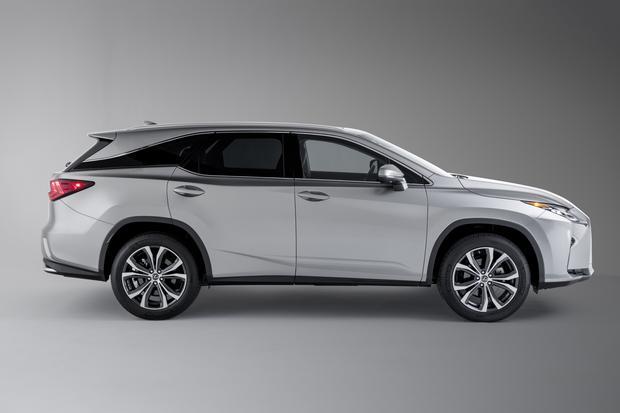 Dłuższy Lexus to bardziej pojemny Lexus. RX L to wersja dłuższa o 11 cm i wyposażona w dodatkowy rząd siedzeń