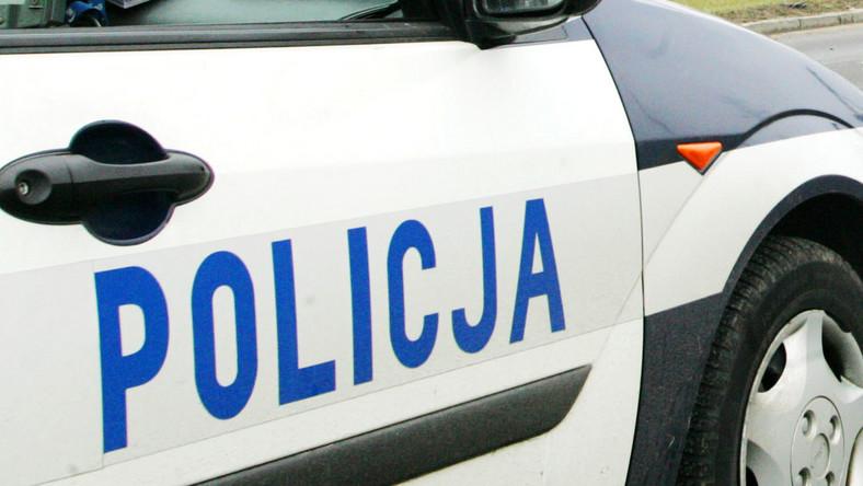 Babcia porwała wnuczka i rzucała nożami w policjantów
