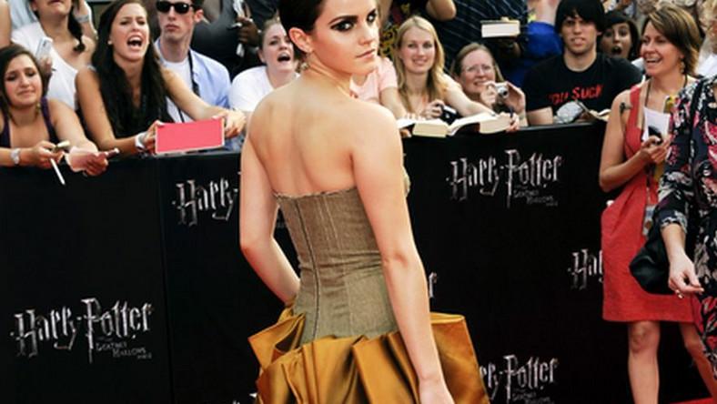 """Oszałamiająca Emma Watson na nowojorskiej premierze drugiej części filmu """"Harry Potter i Insygnia Śmierci"""""""