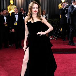 Angelina Jolie sześć lat temu zagrała nogą na gali Oscarów. Kto poszedł w jej ślady?