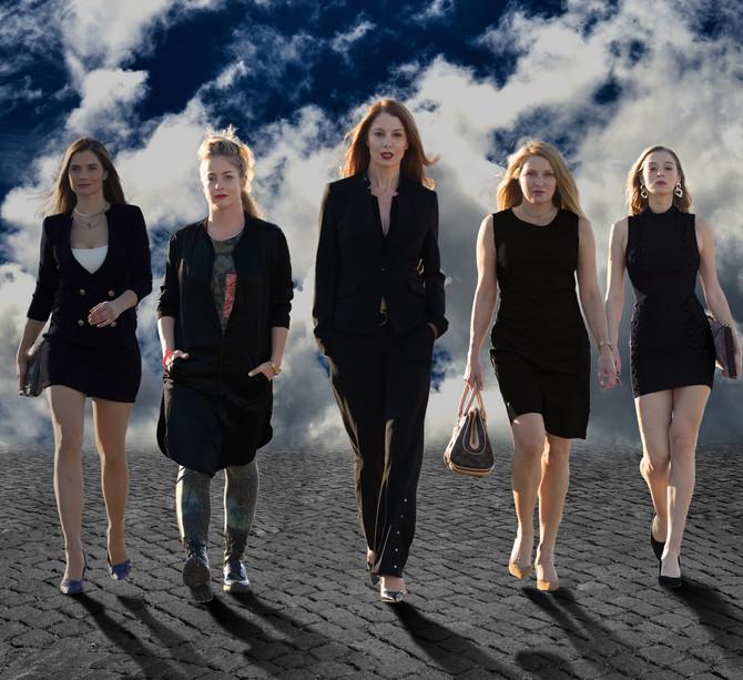 Marija Karan, Hristina Popović, Jelena Đokić, Gala Videnović i Milena Radulović u seriji