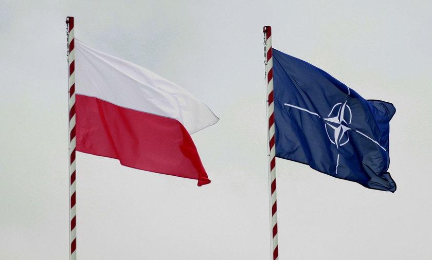 Flaga Nato i Flaga Polska