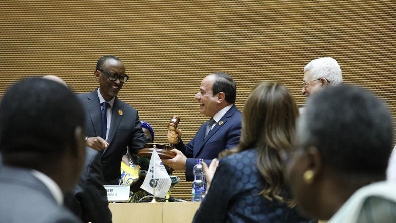 Paul Kagame handing over baton  to Abdelfattah Elsisi as new AU Chair