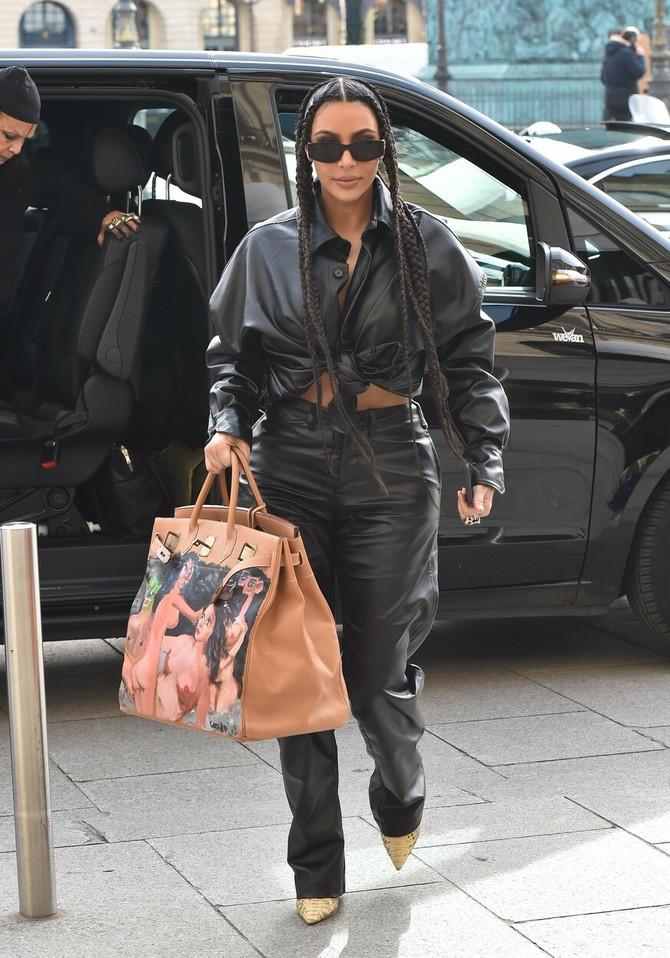 Obratite pažnju na torbu Kim Kardašijan Vest