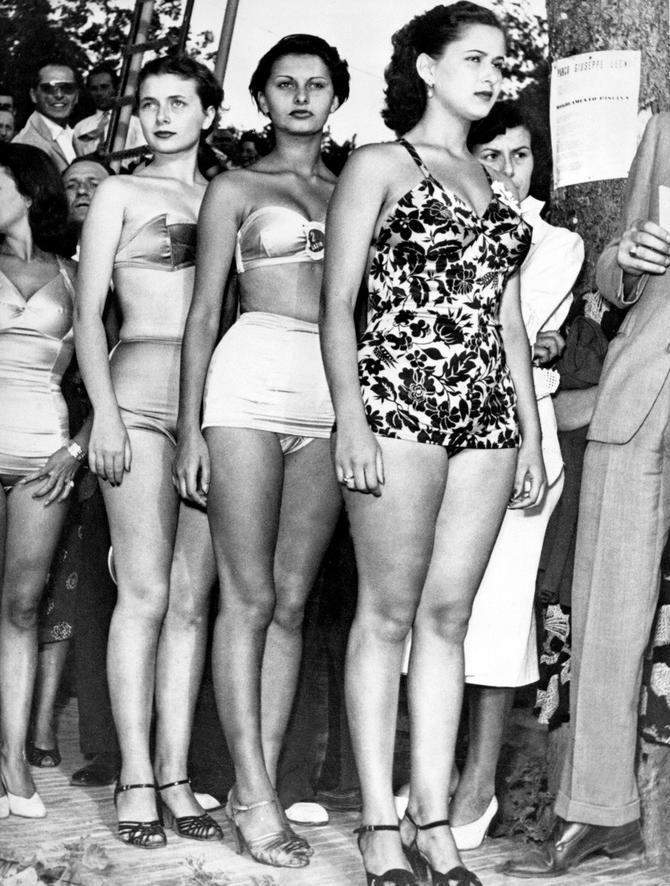 Sofija druga desno