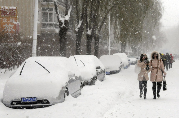 I danas se očekuje sneg, a u planinama snežni nanosi