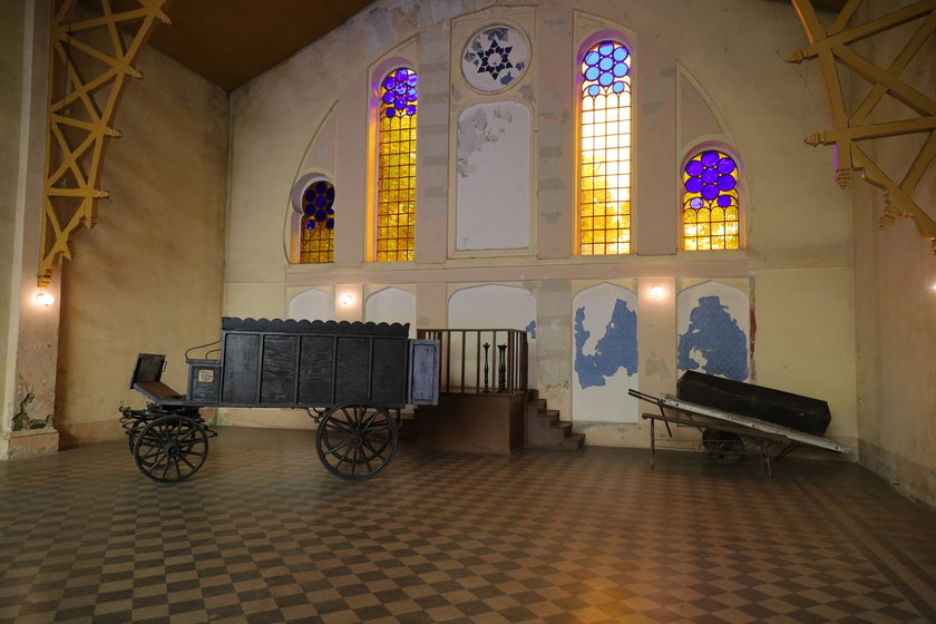 Dom Przedpogrzebowy na Cmentarzu Żydowskim w Łodzi
