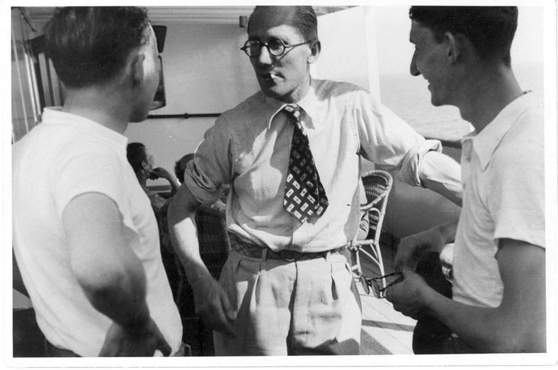 """W środku Le Corbusier podczas architektonicznego rejsu, gdzie wypracowywano założenia """"Karty ateńskiej"""""""