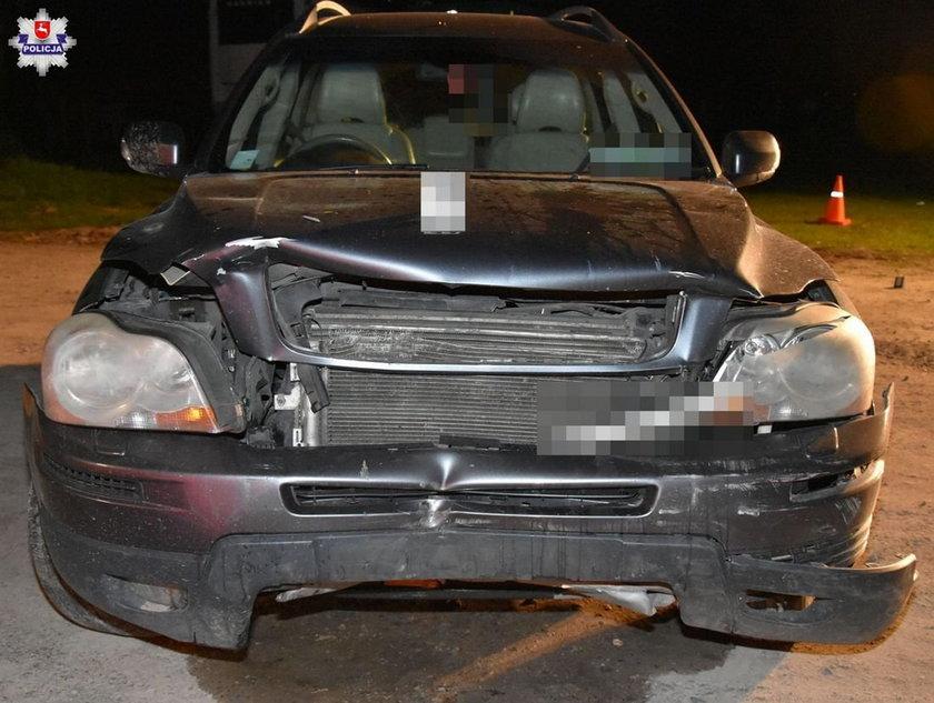 """Tragedia na Lubelszczyźnie. Kierowca chciał """"podriftować"""", wjechał w wiatę i zabił dwie osoby"""