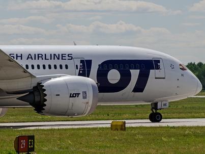 LOT powiększa flotę samolotów. Przewoźnik zamówił m.in. większe Dreamlinery. Do Izraela polecą Boeingi 737-800NG