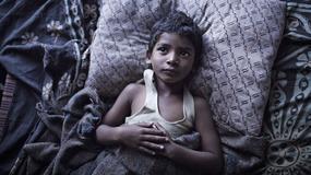 """""""Lion. Droga do domu"""": niezwykła historia Saroo Brierleya od 2 grudnia w kinach"""