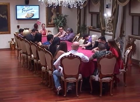 PRODUKCIJA ŠOKIRALA UČESNIKE: Parovi napuštaju vilu!