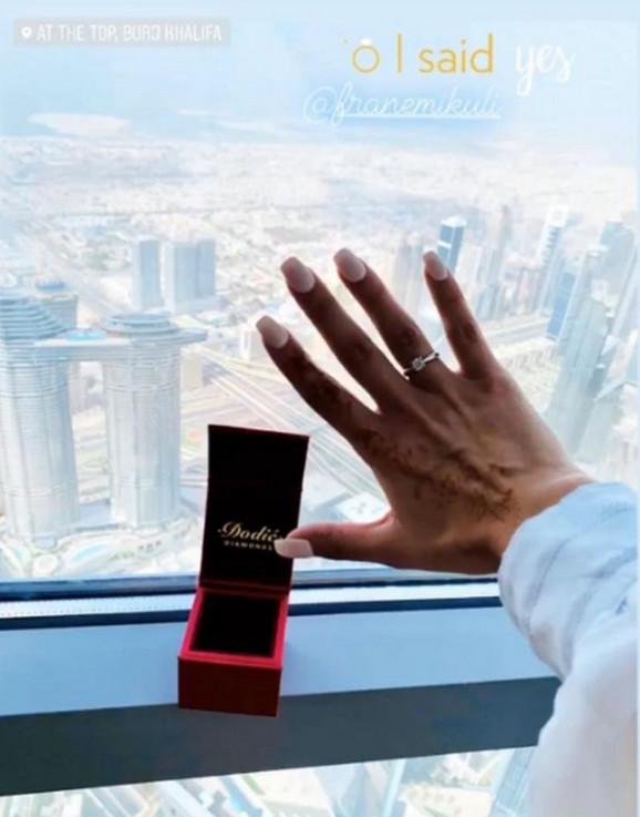 Andrijana pokazala prsten