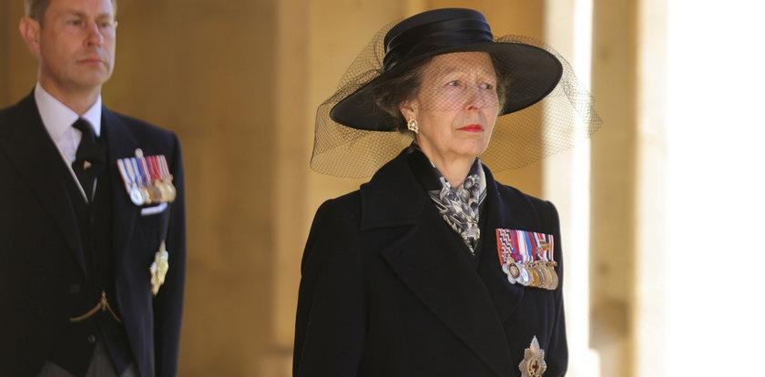 Niesnaski w rodzinie królewskiej. Księżniczka Anna nie odzywa się do Harry'ego. Nie potrafi wybaczyć bratankowi dwóch rzeczy