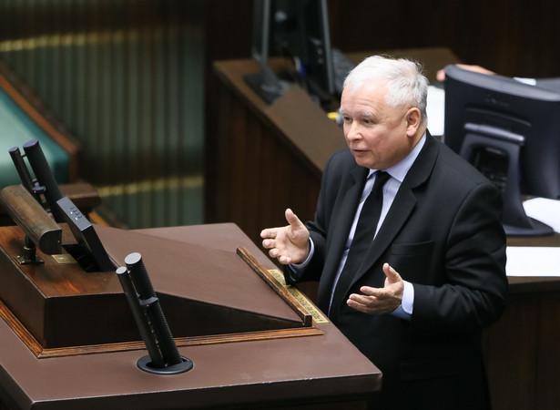 Prezes PiS Jarosław Kaczyński przemawia podczas obrad Sejmu