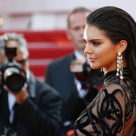 Zachwycająca Kendall Jenner na czerwonym dywanie w Cannes