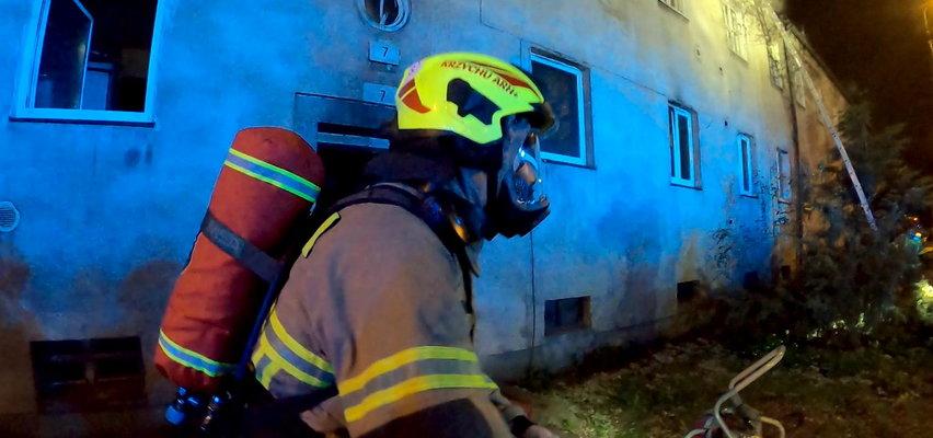 Tragiczny pożar w Poznaniu! 8-letnia dziewczynka nie żyje, dwie osoby w szpitalu
