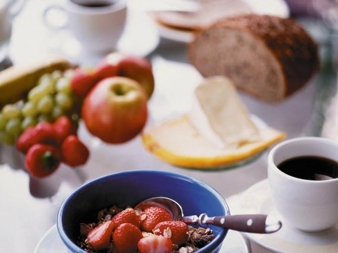 Ovu grešku svi prave, a stomak najviše pati: Naučite da doručkujete zdravo
