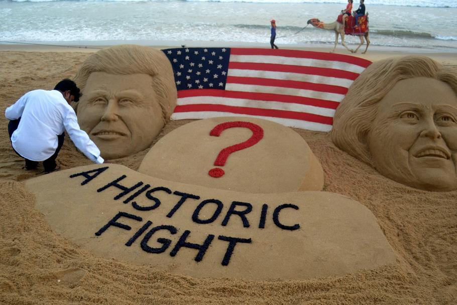 Sand sculpture USA Presidential Election
