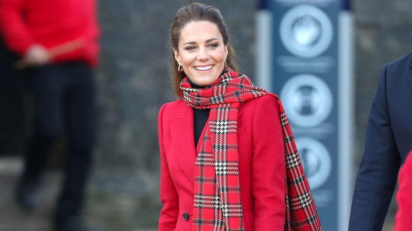 Księżna Kate przechadzała się po Cardiff bez maseczki. Będzie skandal?