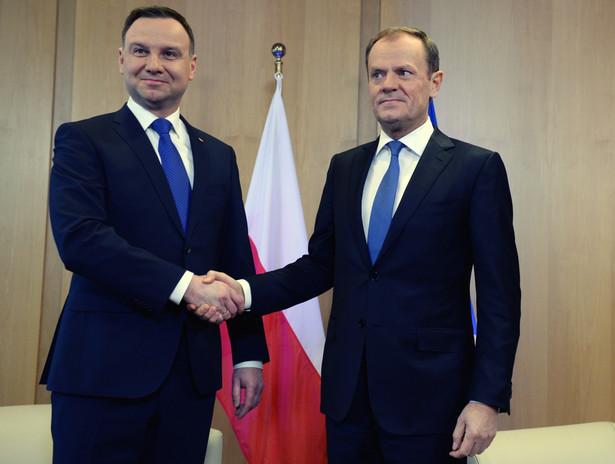 Prezydent Andrzej Duda i szef Rady Europejskiej Donald Tusk podczas spotkania w Brukseli, 18 bm.