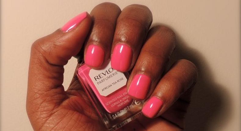 Quick way to polish and dry your nails at home instantly