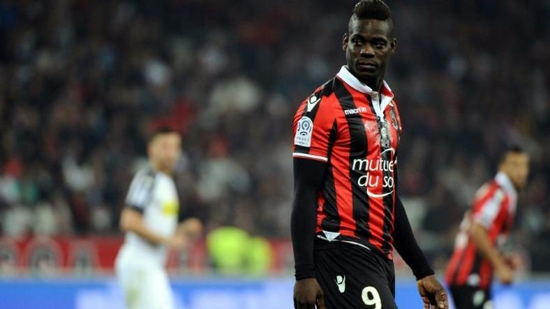 Italian international striker Mario Balotelli is determined to stay at Ligue 1 outfit Nice next season