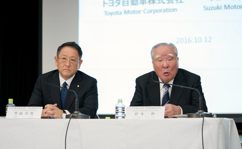 Akio Toyoda i Osamu Suzuki