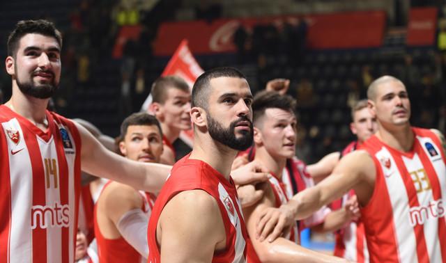 Košarkaši Zvezde slave trijumf nad Brešom