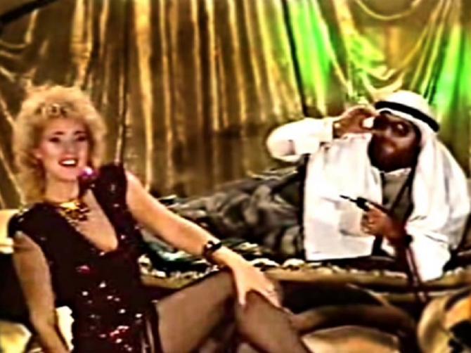 """Cela Jugoslavija je pre 33 godine pevala """"Šeki, Šeki"""": Evo kako Brena danas izgleda pored nekog drugog šeika"""