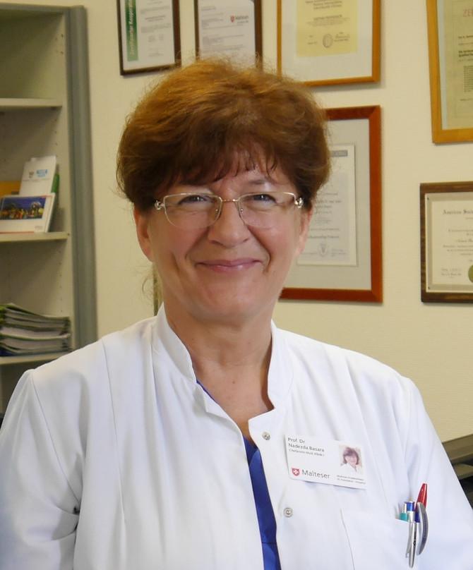 Između lekara i pacijenta mora da postoji distanca, ali su ljudi u nama snažniji, kaže prof. dr Nadežda Basara