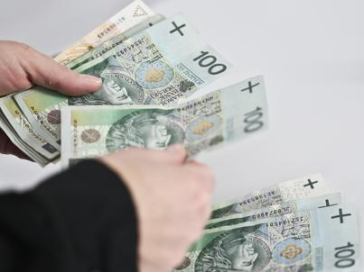 Ministerstwo Rozwoju zachęca do ograniczenia ilości gotówki w obiegu i posługiwania się kartami płatniczymi