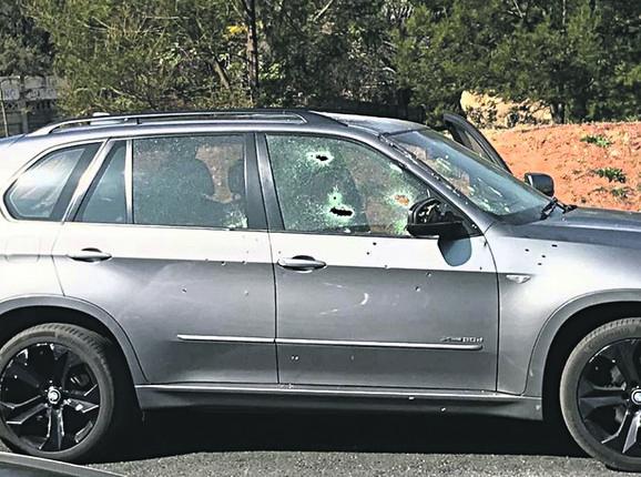 Automobil u kom se Kulić nalazio sa suprugom potpuno je izrešetan