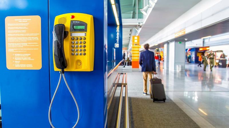 Bezpłatne rozmowy telefoniczne na Lotnisku Chopina w Warszawie