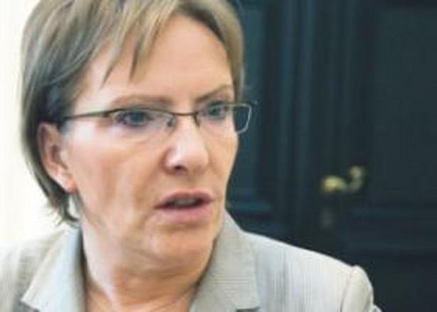 W 2009 roku szpitale będą musiały przekształcić się w spółki. W zamian państwo umorzy część ich długów. Zyskają też zwolnienie z podatku CIT - mówi Ewa Kopacz, minister zdrowia Fot. Wojciech Górski