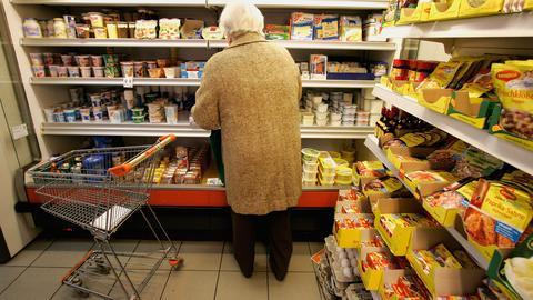 Seniorzy wydają więcej pieniędzy, m.in. na żywność, leki i utrzymanie mieszkania