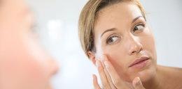 Tych kosmetyków nigdy nie nakładaj na twarz