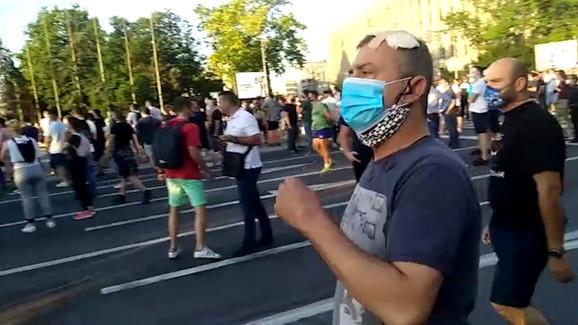 Sergej ponovo među demonstrantima