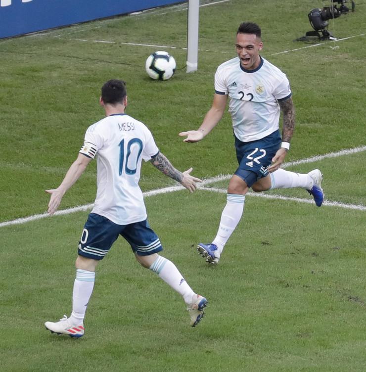 Lionel Mesi, Argentina, Argentine fudbalska
