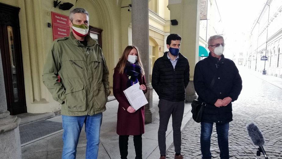Radni Nowoczesnej i Współczesnego Wrocławia chcą odwołać przewodniczącego
