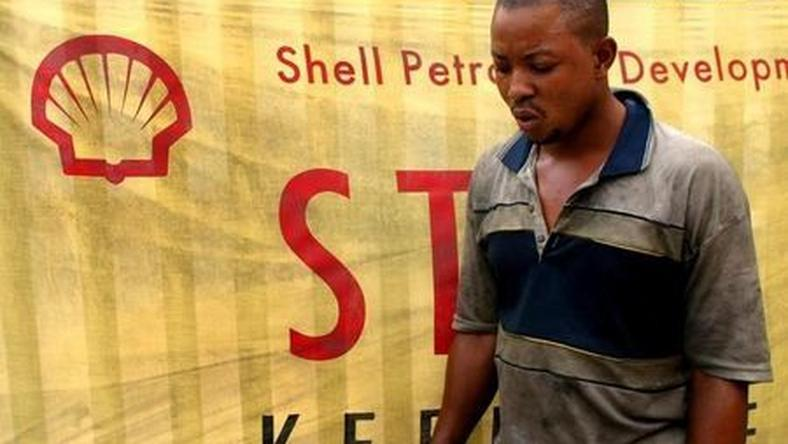Shell asks shippers exporting Nigerian oil to sign NNPC guarantee