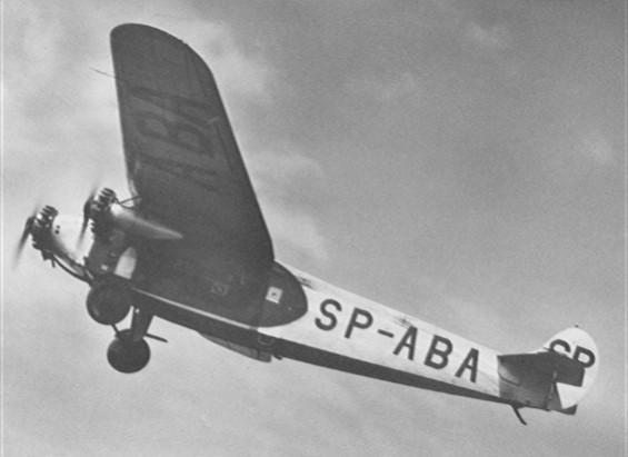 Fokker F-VII tuż po starcie