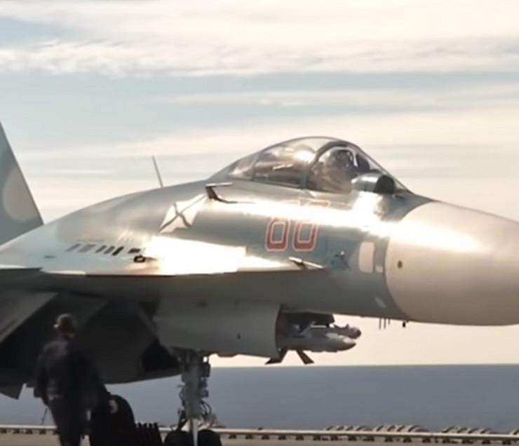 Ruski avioni poleću sa nosača