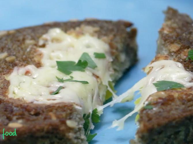 Punjeni tost: Najukusniji način da iskoristite hleb od juče!