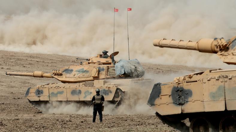Wojska tureckie na granicy z Irakiem, w pobliżu Kurdystanu