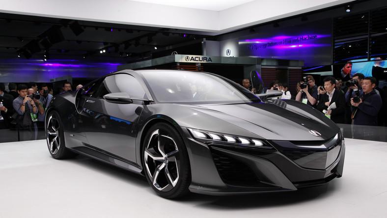 W Detroit salon samochodowy kręci się na całego! Właśnie tam Honda ujawniła stylistykę wnętrza modelu NSX nowej generacji i poinformowała o rozwiązaniach technicznych przewidzianych dla tego sportowego auta.