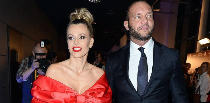 Kiedy rozwód Dody z Emilem Stępniem? Te wieści nie ucieszą piosenkarki
