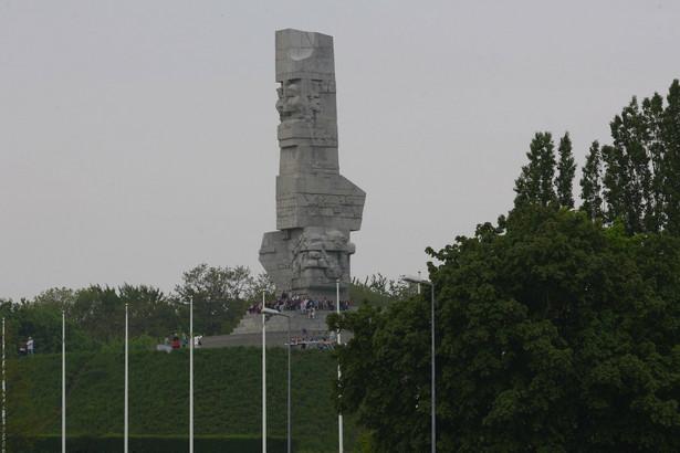 Dworczyk, który był we wtorek gościem Polskiego Radia 24 ocenił, że cała uroczystość przebiegała zgodnie z Ceremoniałem Wojskowym podpisanym - jak zaznaczył - przez b. szefa resortu obrony Tomasza Siemoniaka.