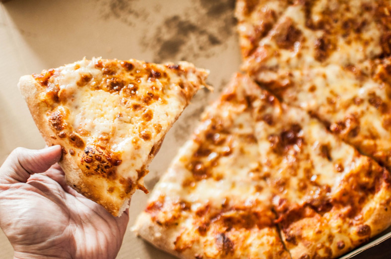 Cheese-flavored Pizza