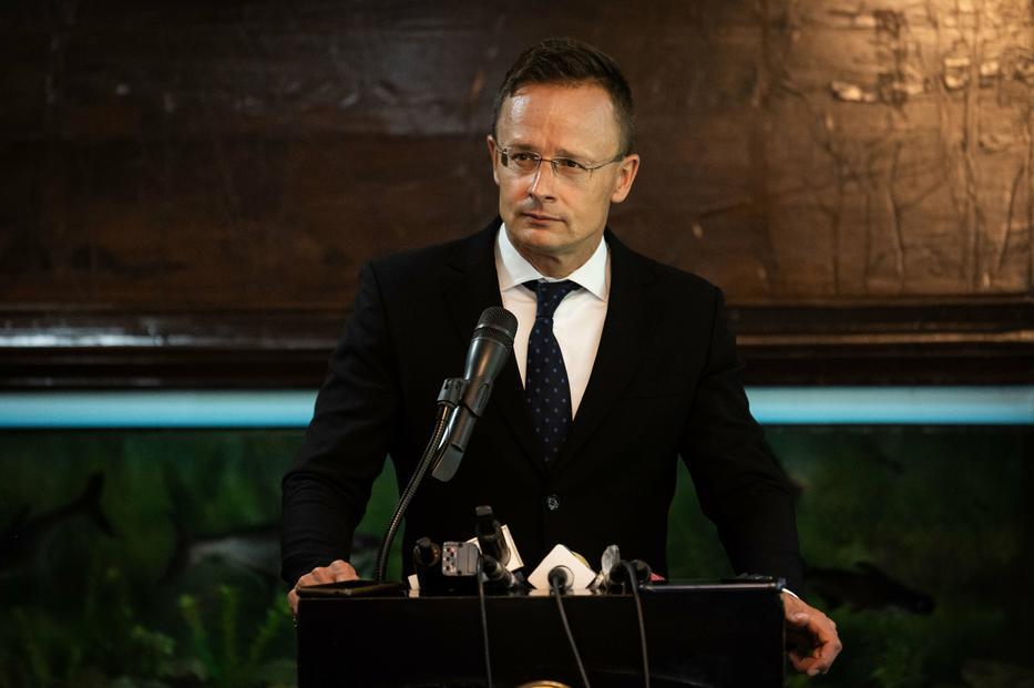 Fordulat: a magyar külügy szerint maguktól ajánlották fel, Banglades szerint viszont Magyarország kérte a vakcinákat